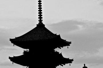 To-ji Temple and its dark pagoda dominate the surrounding skyline