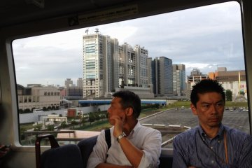 <p>ด้านหลังตึก Fuji Television</p>