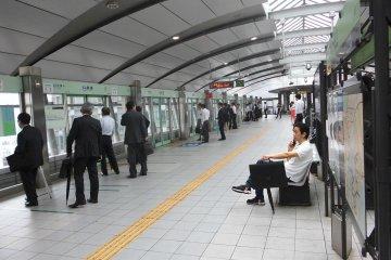 <p>บริเวณสถานีรอรถไฟ</p>
