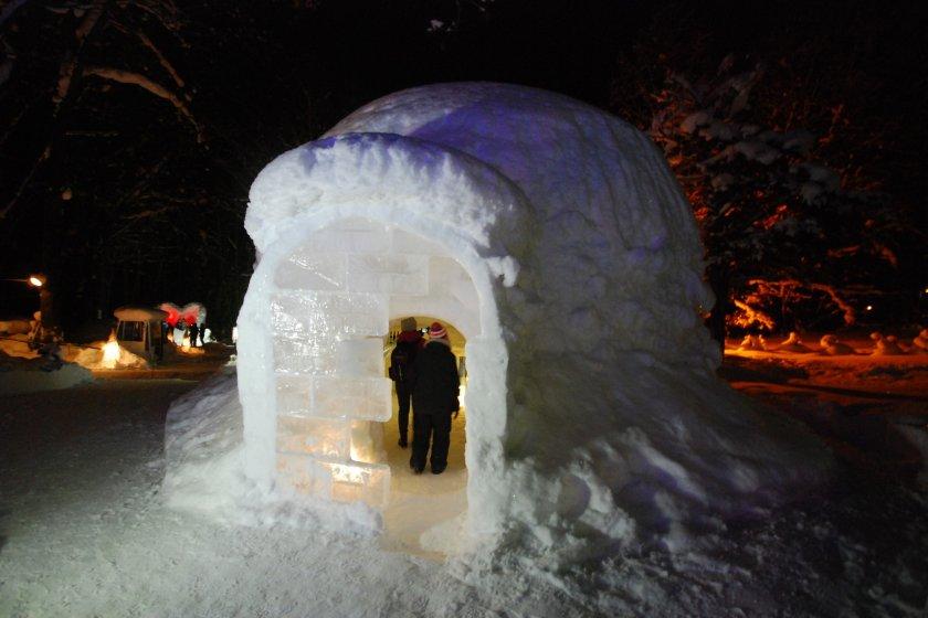 Snow Cafe ที่ทำเลียนแบบอิกลู บ้านของชาวเอสกิโม