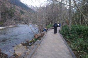เส้นทางเดินจาก Taisho Pond ไปสะพาน Tashiro