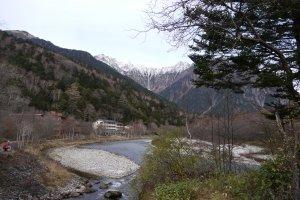 วิวของเทือกเขา Hotaka บริเวณโรงแรม