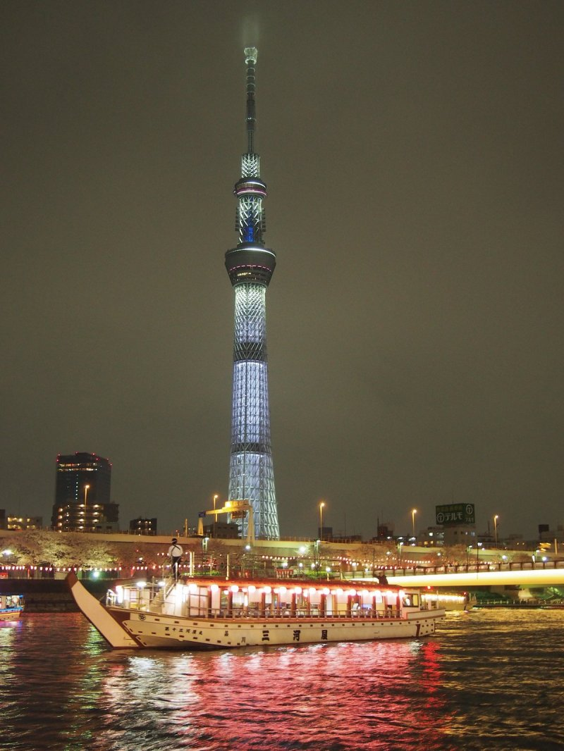 Experience the view of Tokyo Skytree and delicious cuisine.