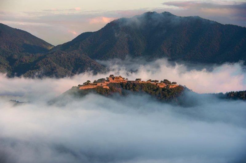 Takeda Castle: Castle in the sky