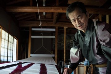 Kyoto: Virtual Visit to Color-changing Fabric Studio